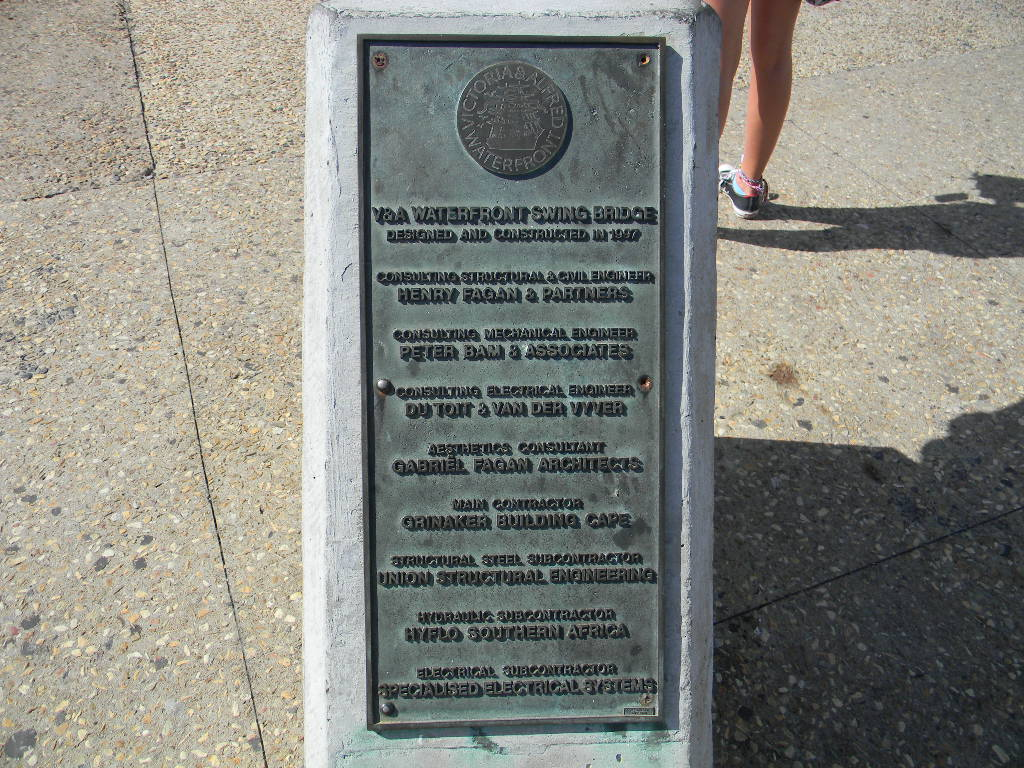 V&A Waterfront Swing Bridge Plaque